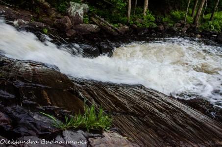 stubbs falls at arrowhead provincial park