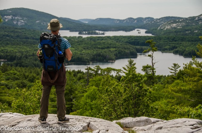 hiker enjoying the view from the Crack at Killarney