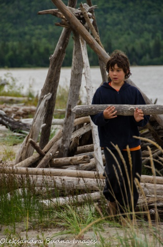 carrying driftwood in Neys Provincial park