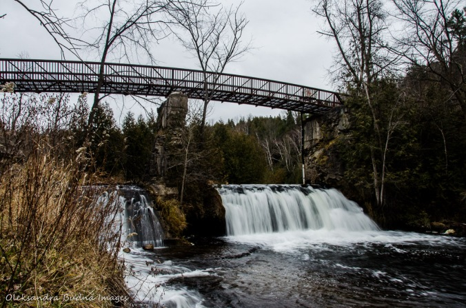 bridge over Credit River at Forks of the Credit Provincial Park