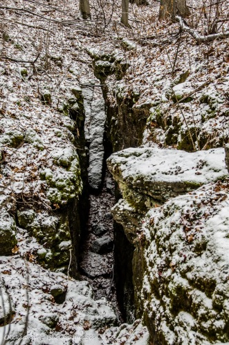 rock fissue at Mount Nemo