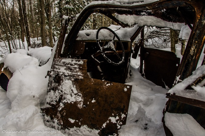 old car on the Granite Ridge Trail in Killarney