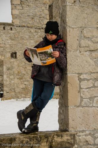 kid reading a rockwood park brochure at mill ruins