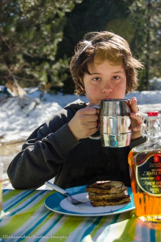 breakfast at Mew Lake campground in algonquin in the winter