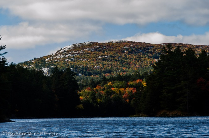 Bell Lake in Killarney in the fall