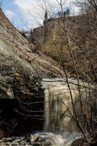 Lower Falls at Devil's Punchbowl conservation area