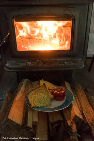 wood stove in yurt 5 in Silent Lake + french toast with jam