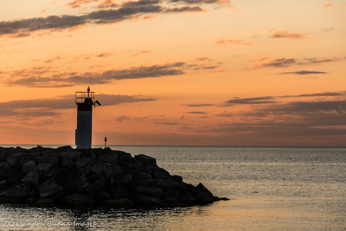 lighthouse in Lakefront Promenade Park in Mississauga at sunrise