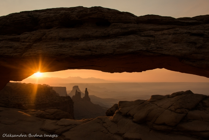 sunrise at Mesa Arch in Canyonlands