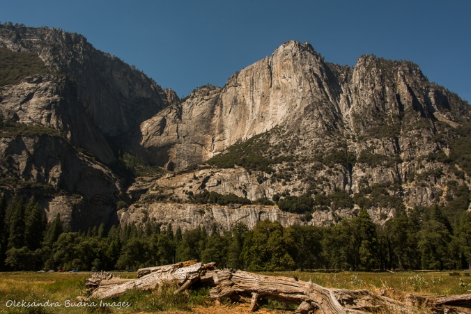 view of the rock without Yosemite Falls