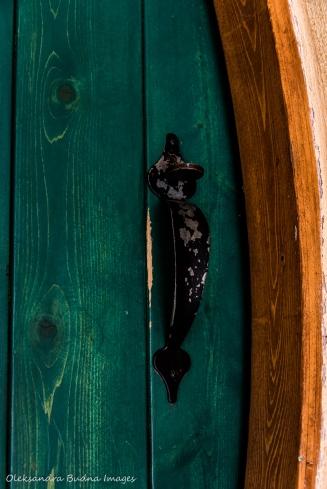 Hobbit House door at the Les Toits du Monde