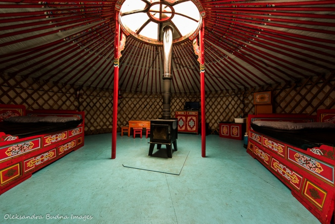 inside the yurt at Les Toits du Monde