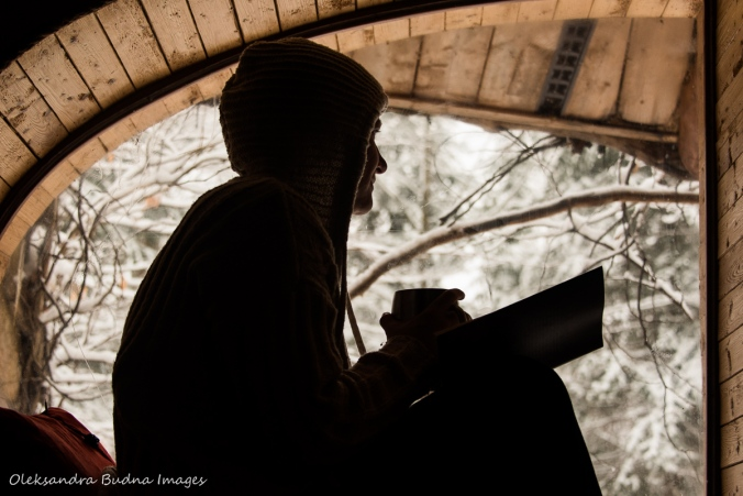 window seat in the Hobbit House at Les Toits du Monde