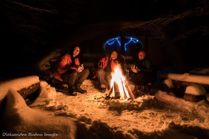 campfire outside the Hobbit House at Les Toits du Monde