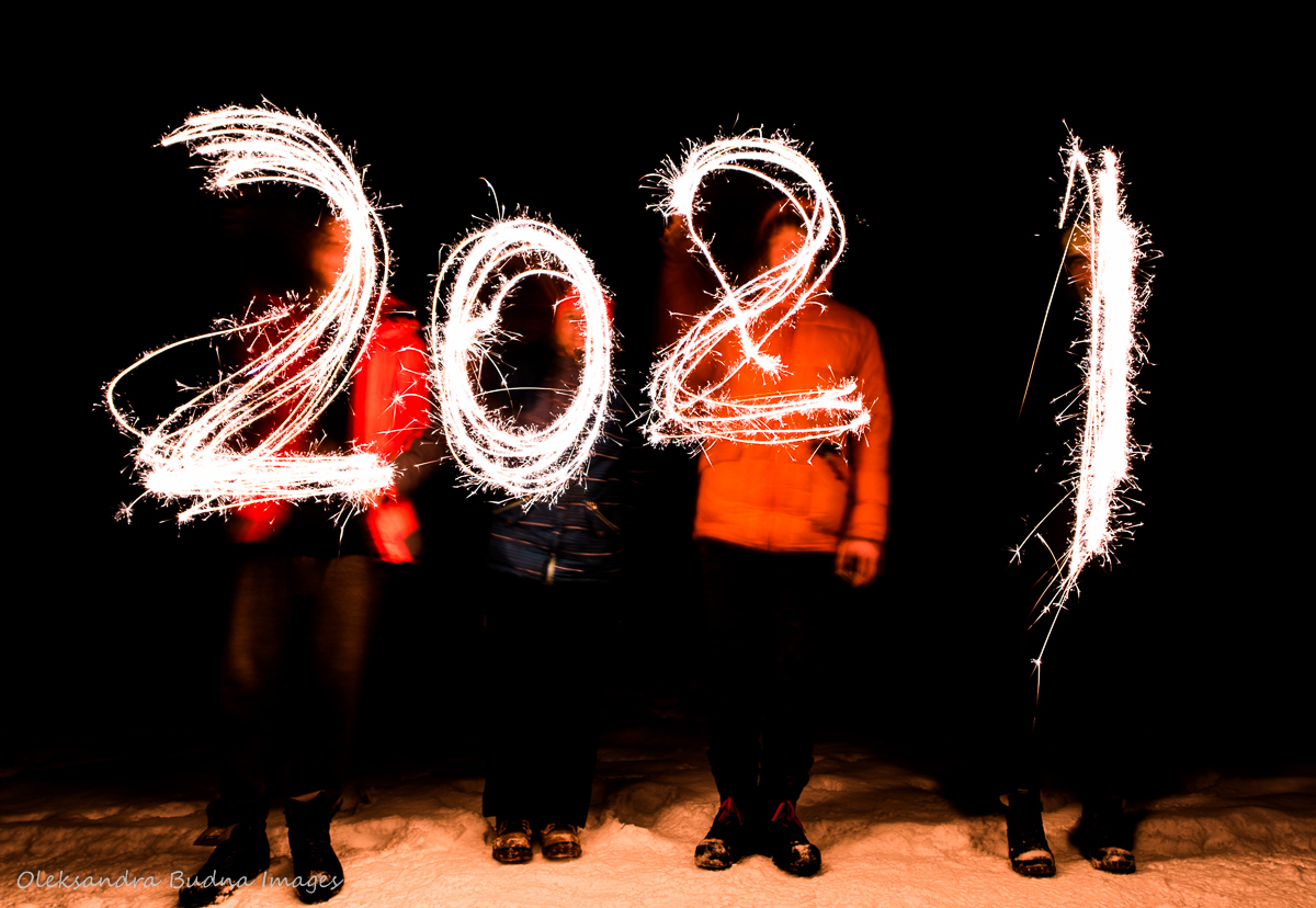 Writing 2021 with sparklers