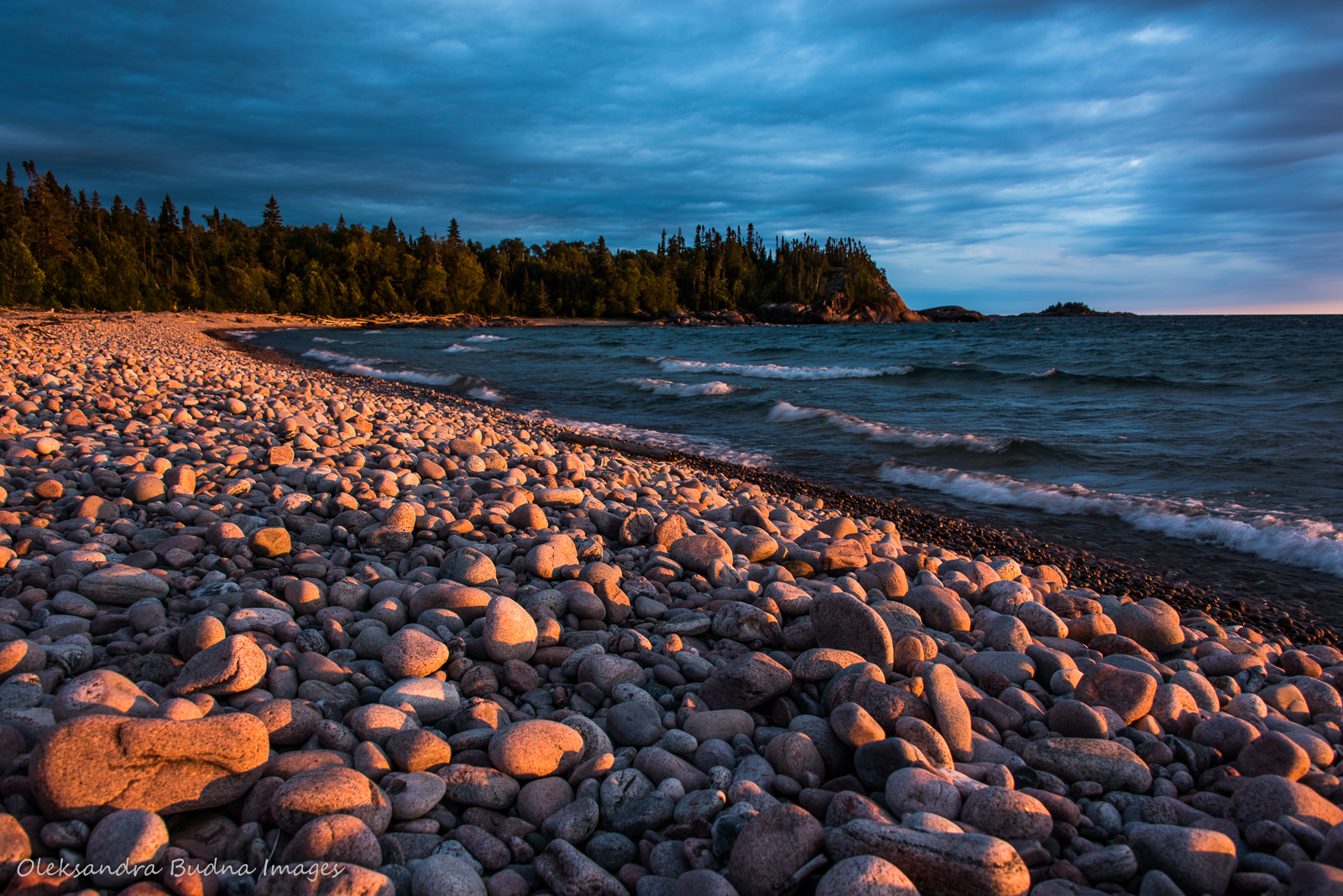 Sunset over Lake Superior at White Gravel River Beach in Pukaskwa